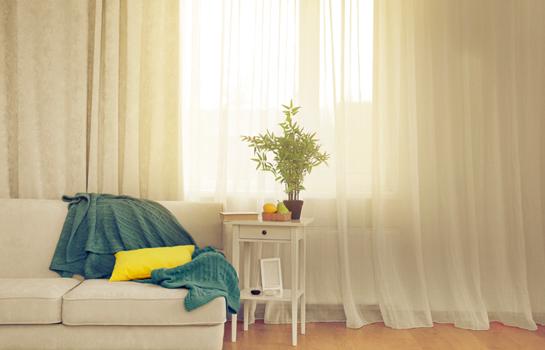 Las cortinas claras y ligeras te dan la vida