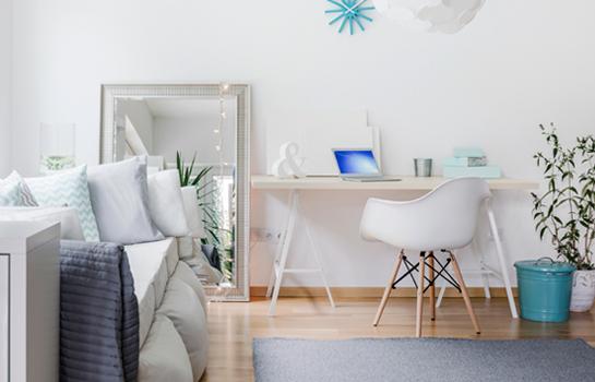 Las plantas son ideales para dar un toque de frescura a tu dormitorio