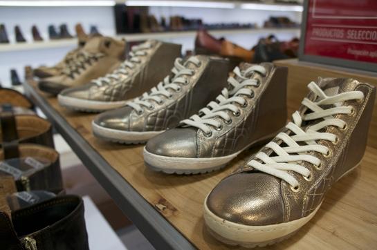 zapatillas metalizadas Pikolinos