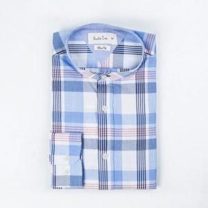 camisa de cuadros azules