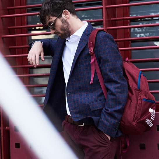 look chico mochila Adidas burdeos