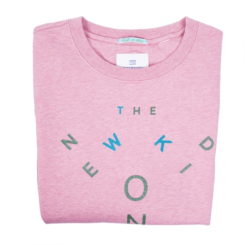 sudadera rosa con letras