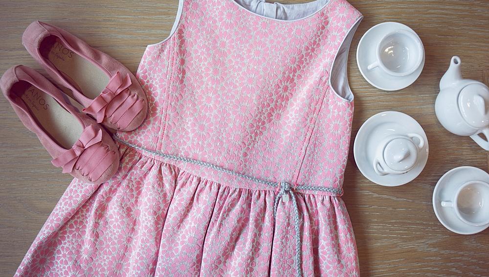 bodegón vestido rosa niña
