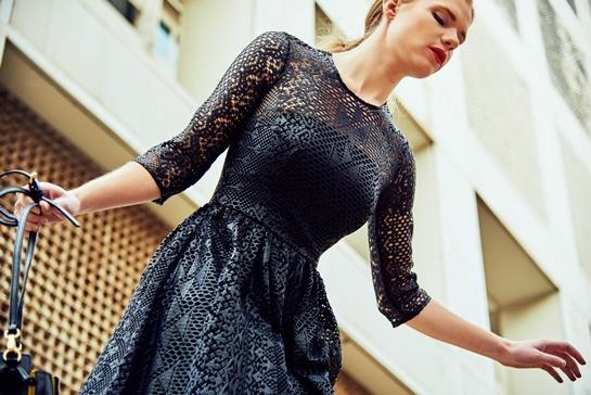 vestido troquelado negro