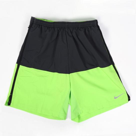 bermudas verde y negro nike
