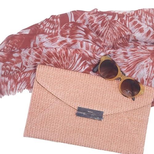 bodegón bolso rosa