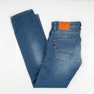 Garcia Jeans.