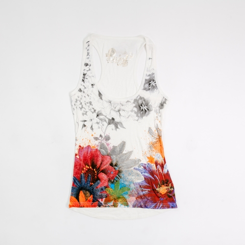 camiseta flores desigual