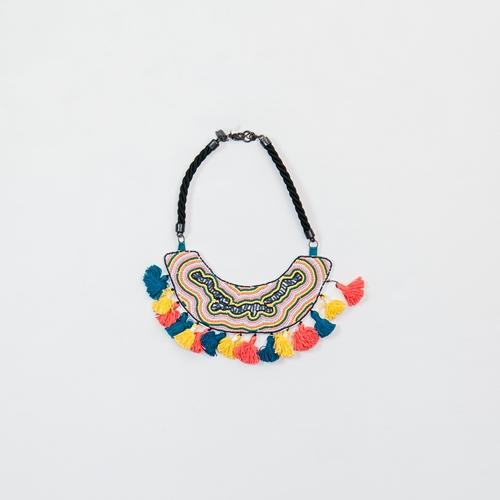 collar pompones de colores