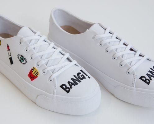 zapatillas blancas con dibujos