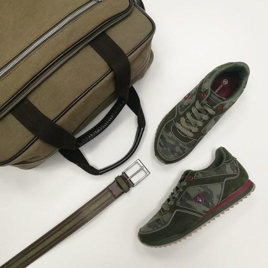 zapatillas verde caqui Álvaro Moreno
