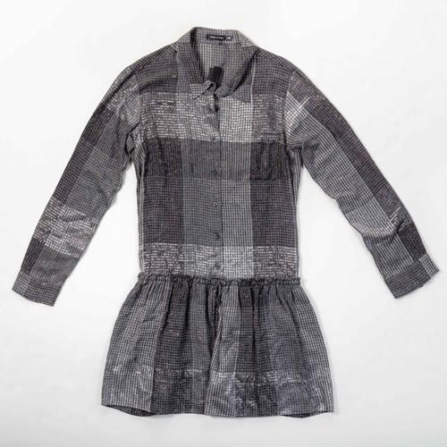 vestido de cuadros gris