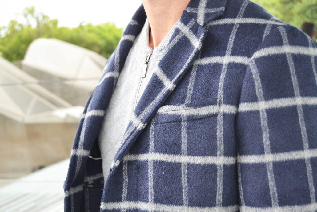 detalle abrigo cuadros