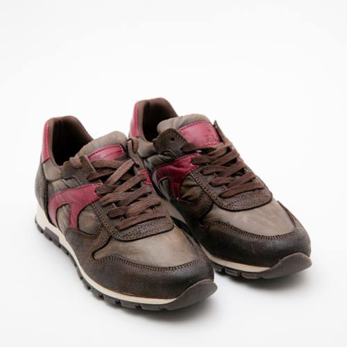 sneakers marrones