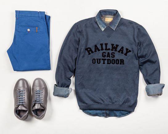 look camisa denim y pantalón azul