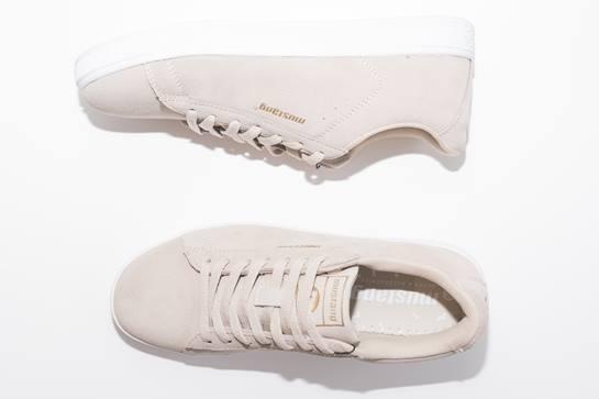sneakers blancas mustang
