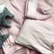 bodegón prendas puma rosa