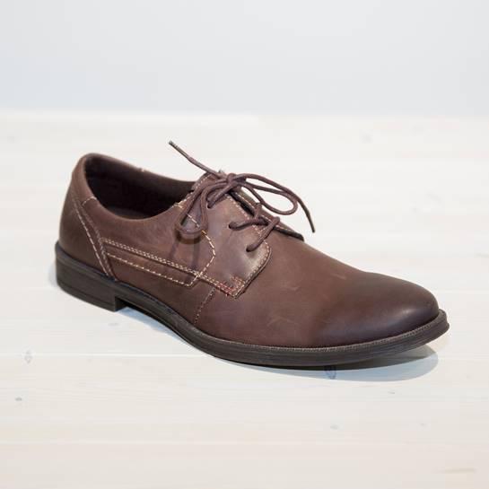 zapatos cordones marrón mustang