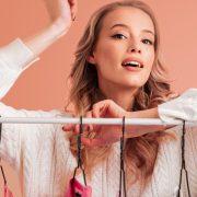 Foto modelo chica perchas blog