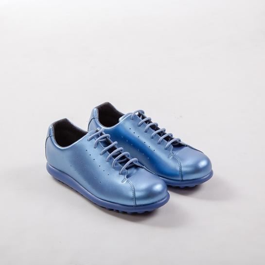 zapatillas azul metalizado Camper