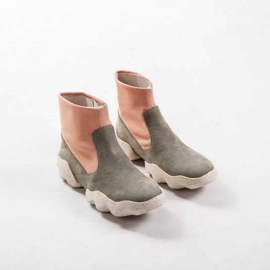 botas gris y rosa camper