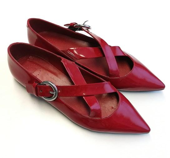 zapatos rojos mango