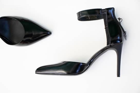 zapatos negros ADOLFO DOMINGUEZ