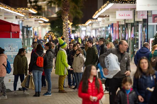 shopping night viladecans