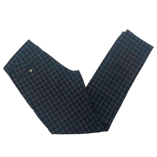 Pantalón de Forecast precio original: 49,90€ / Precio outlet: 29,90€