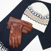 sombrero bufanda y guantes BODEGÓN