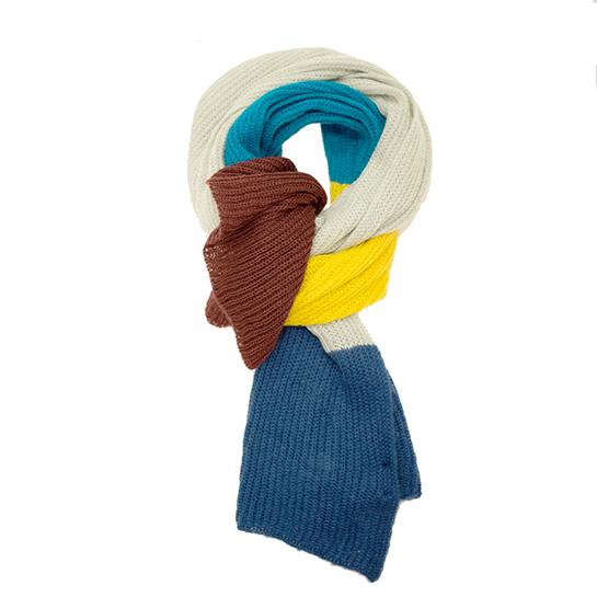 Bufanda de rayas precio original: 12,99€ / Precio outlet: 7,99€