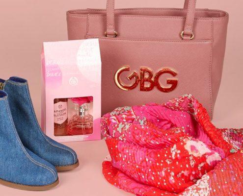 regalos Bolso G by Guess, Botines y pañuelo Desigual, belleza The Body Shop