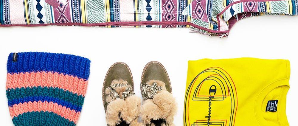 Nieve. Chaquetón Element, Sudadera Lamford y calzado Mustang