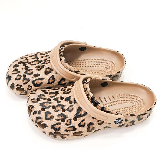 Crocs de leopardo