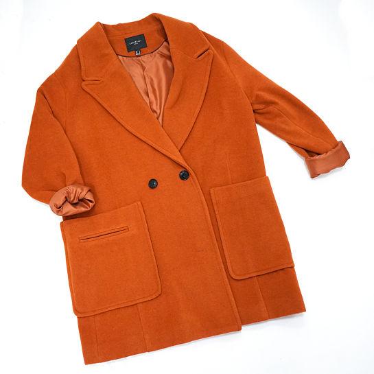 Abrigo de paño naranja de Fifty Factory
