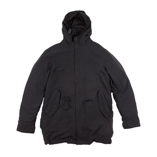 Abrigo negro de Salsa